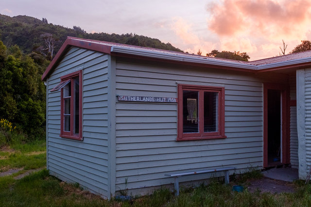 We spent a night at the Sutherlands Hut with two hunters and their four doggies